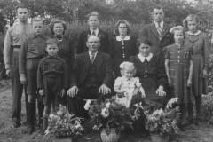 Datering onbekend. Familie Antoon en Nellie van Sleeuwen - van Lieshout.