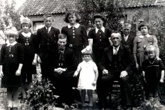 Datering 1943. familie Marinus en Hanne Egelmeers