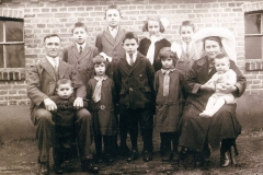 Datering 1931. Familie van der Burgt.