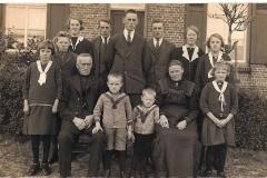 Datering 1930.  Fam van de Wetering