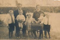 Datering 1942. Familie van Lankvelt Berkhoek.