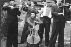 Datering 1937. Familie Coppens