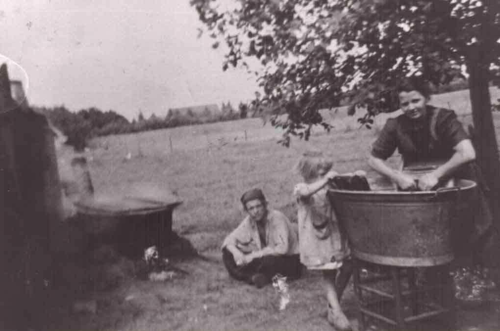 Datering 1947. Wasdag.