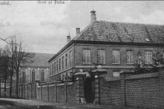 Datering 1925. Joseph paviljoen en de kerk