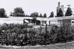Datering 1990. Het nieuwe paviljoen Eikenheuvel.
