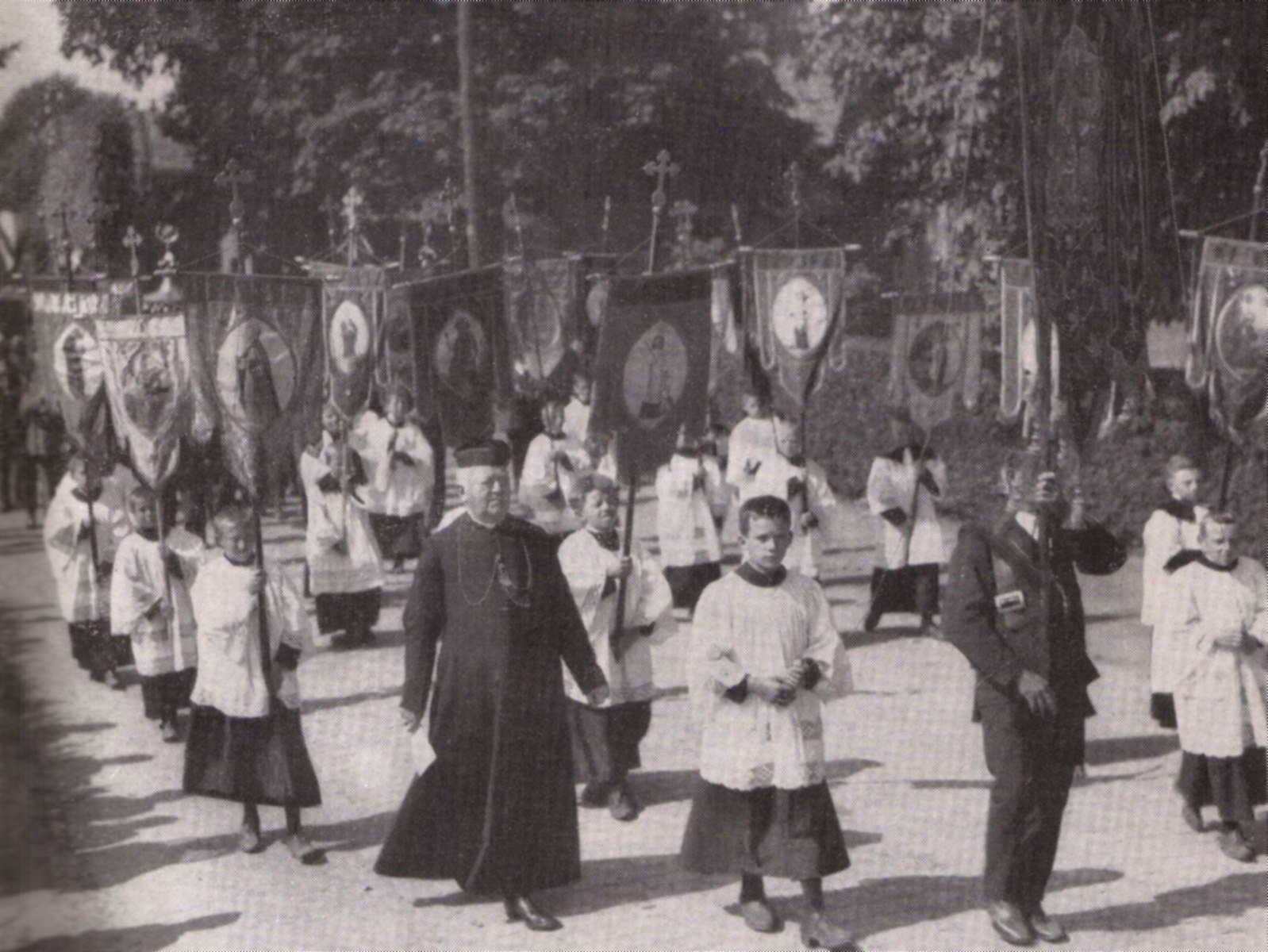 Datering 1931. Processie