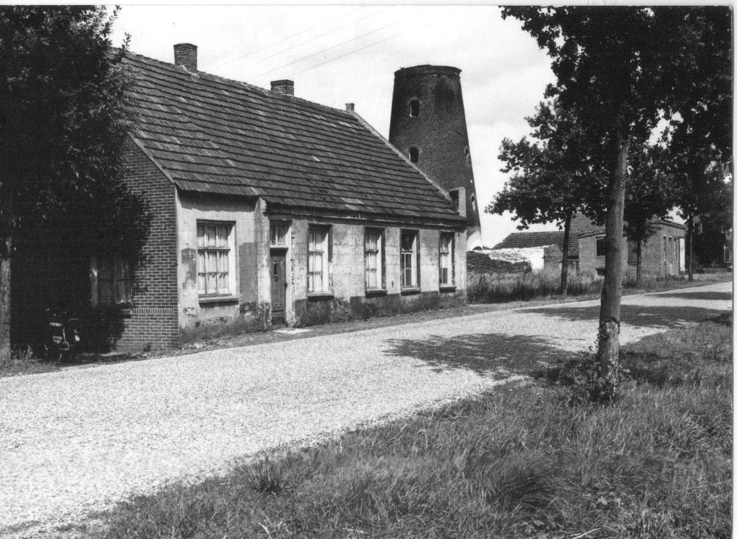 Datering 1970. Molen vd Bosch.