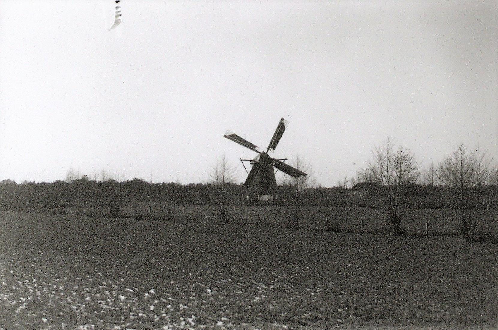Datering 1936. Molen-eigendom-van-W.-v.d.-Ven.-
