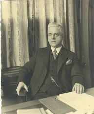 Datering 1930. Burgemeester Buskens.