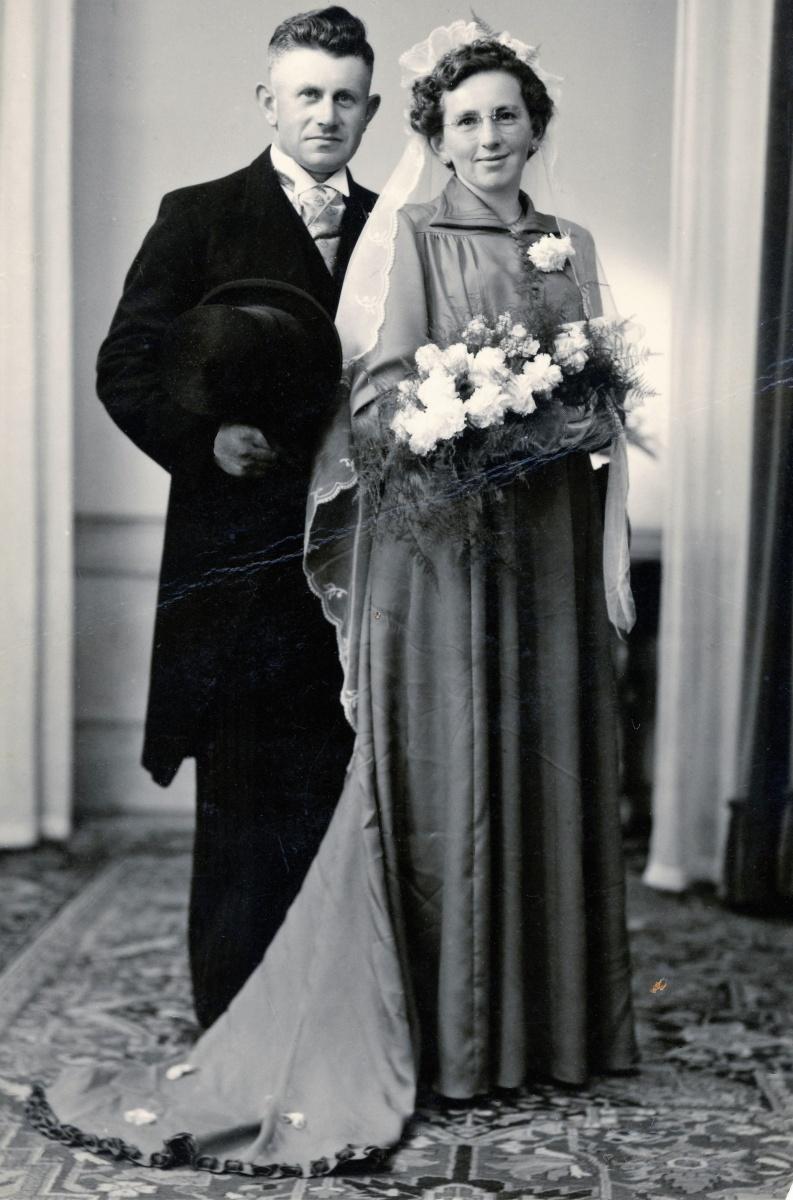 Datering 1952.  Echtpaar Harrie en Anna Swinkels- Donkers