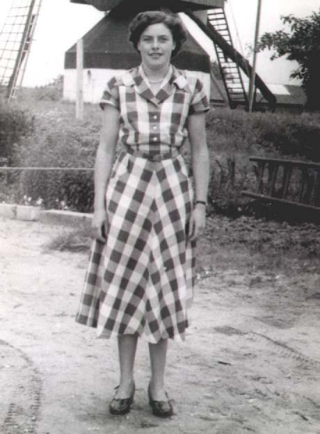Datering 1953. Dora Althuizen