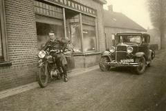 Datering 1935. Ties Rijbroek