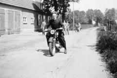 Datering 1957. Pater Toon van Kessel.