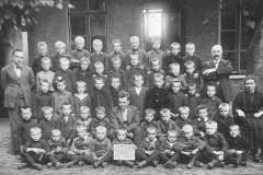 Datering 1919. St. Janschool