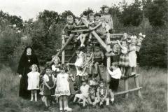 Datering 1957-1958. Bernadetteschool-kleuters