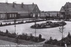 Datering 1938. Dorpsplein Venhorst met Corneliusschool