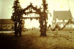 Datering 1934.  inwijding van de Sint Jozefkerk