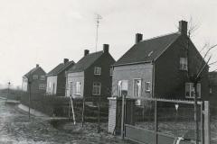Datering 1963.  Huizen aan de Ringbaan in Venhorst.
