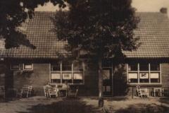 Datering 1957. Gebouwen Venhorst.