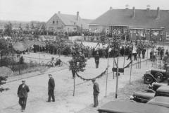 Datering 1938.  Officiële opening van de nieuwe weg Boekel - Venhorst