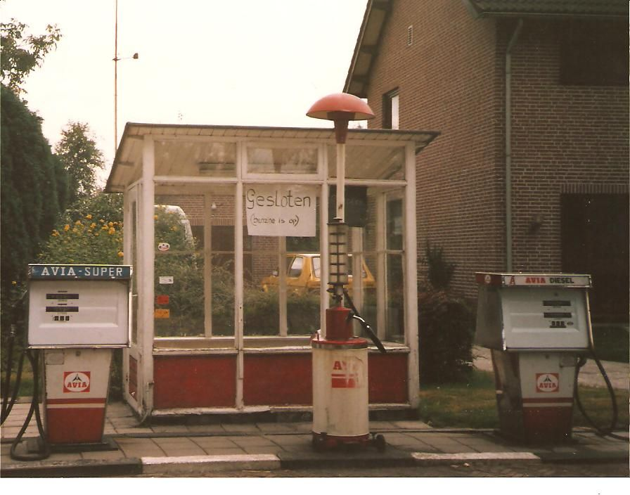 Datering 1984.