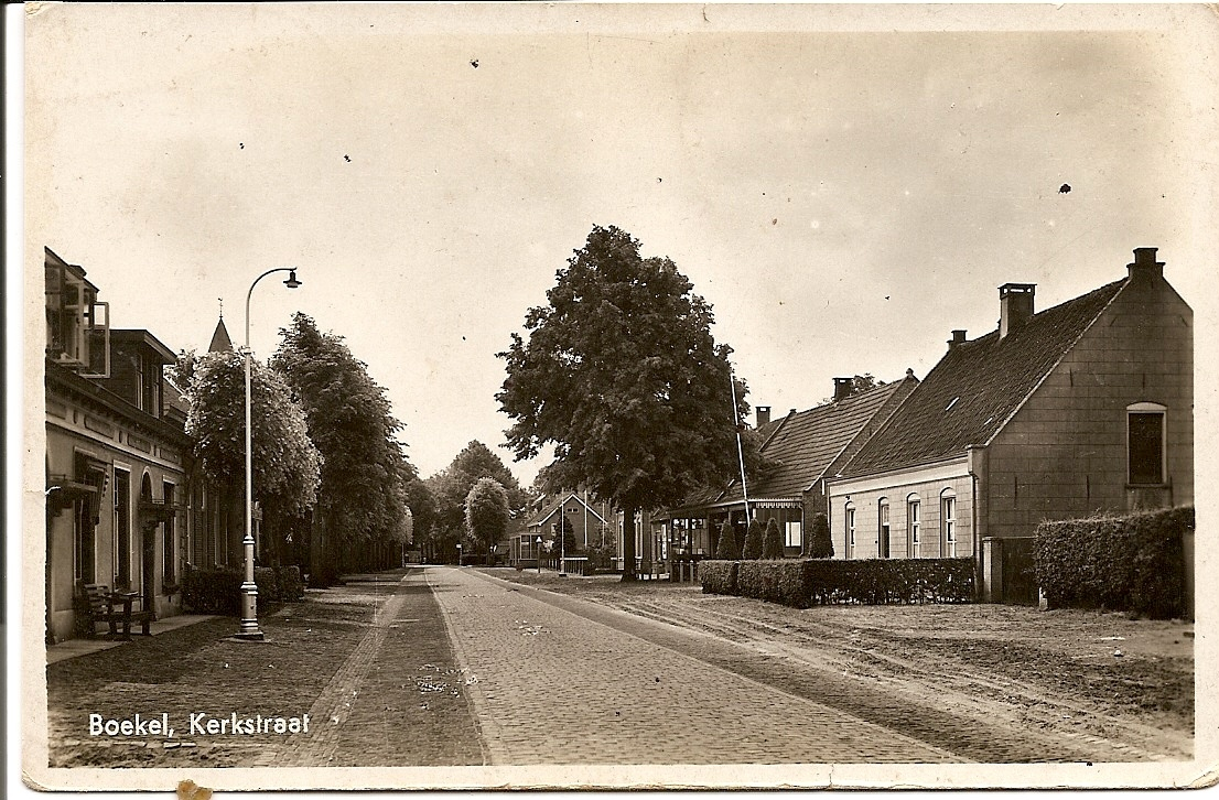 Datering 1940. Kerkstraat noord.