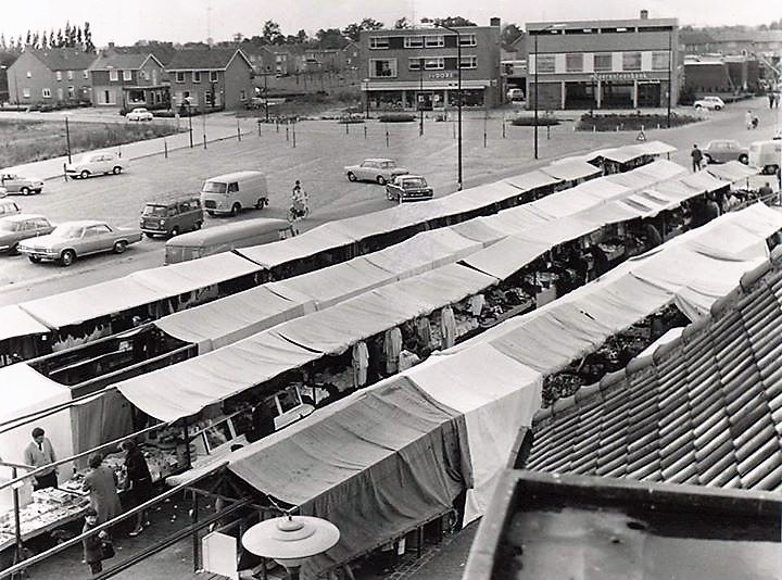 Datering 1967. Weekmarkt