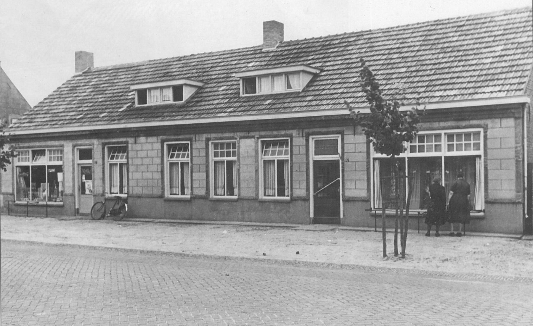 Datering 1952.  kerkstraat