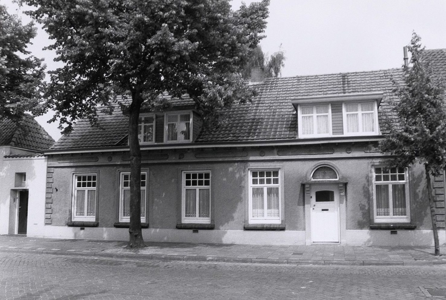 Datering 1990. kerkstraat-13
