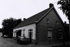 Datering 1990. Slagerswinkel-The-van-de-Elzen.