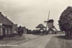 Datering 1950. Kerkstraat rond 1950.