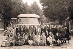 Datering-1950.-uitstapje-boerinnenbond-dierentuin-arnhem